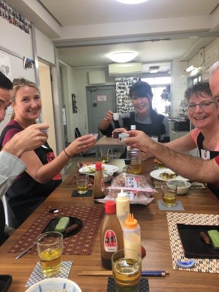 Make savory pancakes(Okonomiyaki) with a local Mom