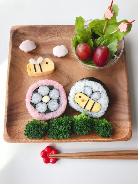 Make Sushi Art with Expert