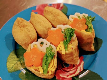 Home made Gomoku chirashizushi & Inarizushi.\nPopular home cooked sushi recipes in Japan.