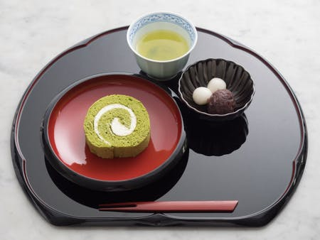 GREEN TEA ROLL CAKE SET & TEA CEREMONY