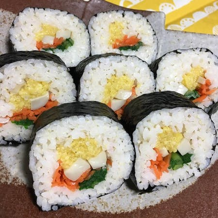Futomaki (thick roll of makizushi) lesson