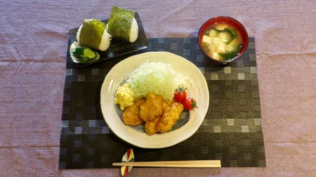 Chicken Namban(Fried Chicken with vinegar and tartar sauce)\r\nOnigiri\r\nMiso soup