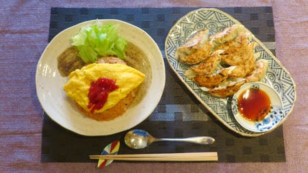 Omuraice ( Chicken rice covered by omelet)\r\nHomemade Gyoza (Fried dumpling)