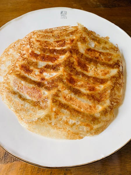 【Fried Gyoza】\r\nChinese dumpling is called 'gyoza' in Japan.Gyoza is also popular as home cooking.\r\n\r\n