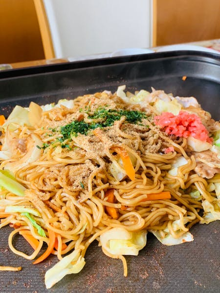 【Yakisoba】\r\nYou can choose from two flavor types (salt or sauce) Pork or \r\nvegetarian