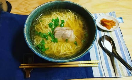 The taste of Japanese grandma. Make homemade pork and ramen!