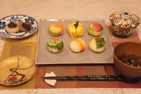 Ball-shaped Sushi