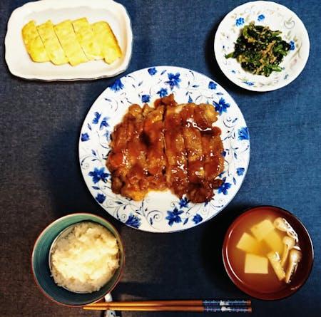 Teriyaki chicken and rolled egg omelet