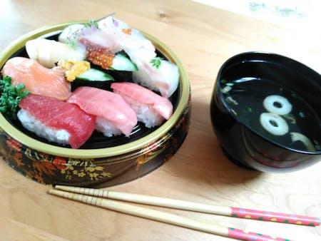 Cooking NigiriSushi with Mummy at Kyoto!!