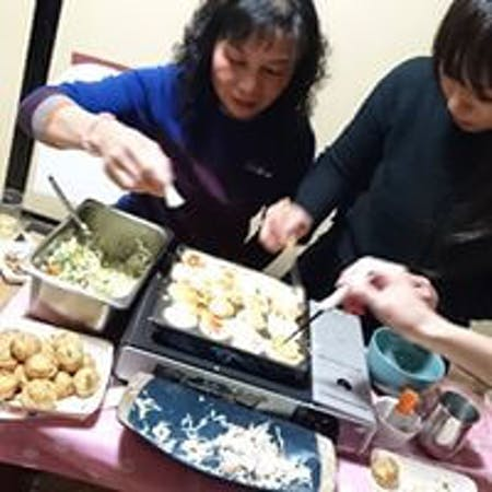 Eat your favorite [Takoyaki]!