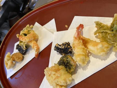 Let\'s make tempura at the traditional Japanese house and eat it! !