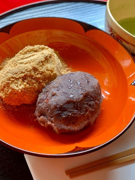 Ohagi(sticky rice cake coated in smashed sweet beans)and Tea Ceremony