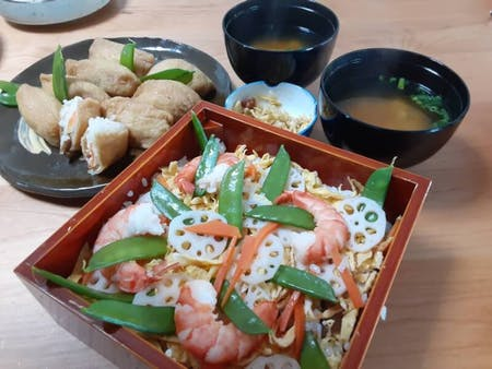Let\'s cook Chirashi sushi and Inari sushi with Mummy in Kyoto!!