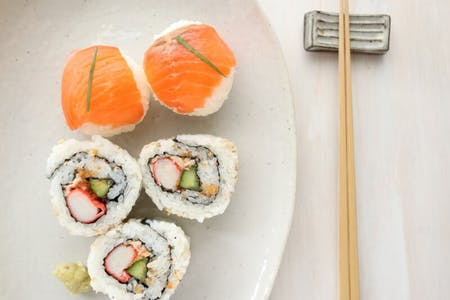 【Online class】Learn Crab and Tuna Inside-Out Sushi Rolls, and Mini Sushi Balls