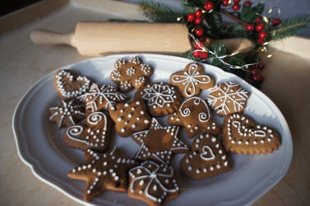 Gingerbread baking and decorating online workshop