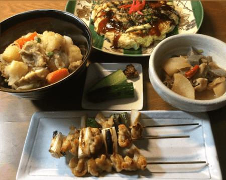 Japanese Izakaya(Japanese bar) Cuisine Cooking (Okonomiyaki, Yakitori..)