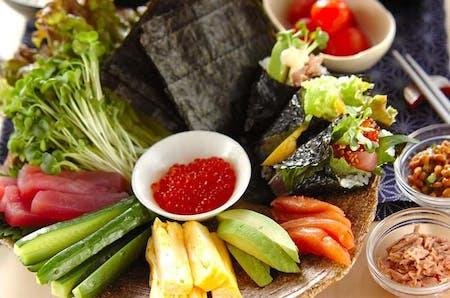 """Temaki-sushi"" (self-hand-rolled sushi) and Tempura"