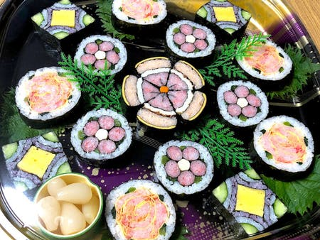 Let's make tasty Decorated Sushi Rolls!