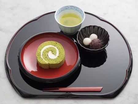 GREEN TEA ROLL CAKE SET & TEA CEREMONY\n