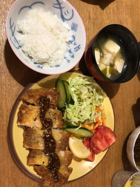 Fluffy Japanese omelet and popular gyoza