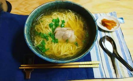 The taste of Japanese grandma. Make homemade pork and ramen!