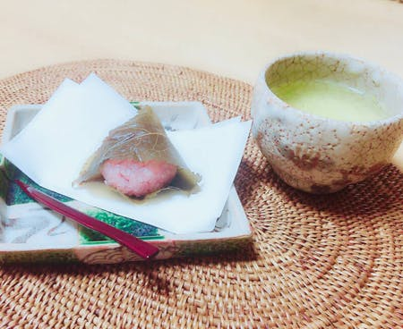 Start a cooking class for foreigners!