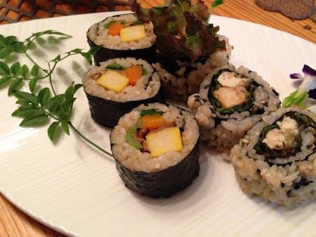 Vegan roll sushi