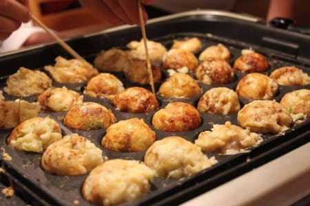 "Traditional Osaka cuisine, ""Takoyaki""(Octopus ball) party!"