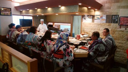 Experience of making sushi  The content of the course