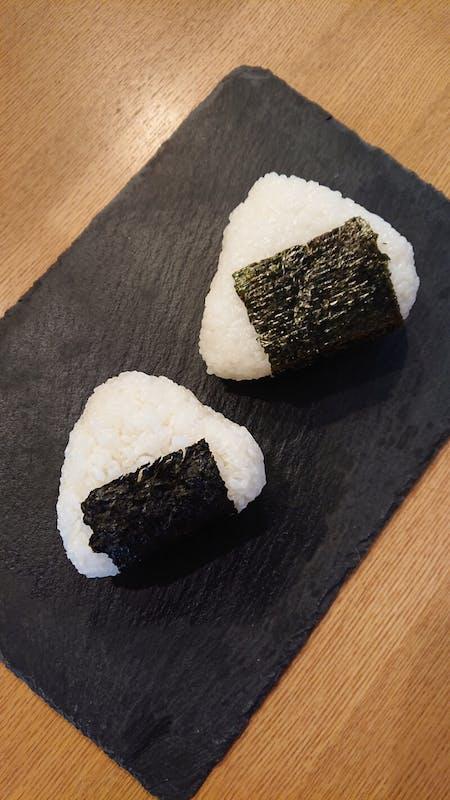 Make a Japanese Onigiri with a housewife