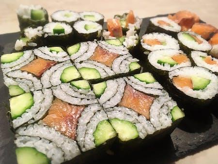 Let\'s make casual Sushi Roll and Art Sushi Roll in Akaigawa (near Niseko)