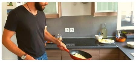 Learn the secret to cooking crêpes with local