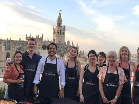 ⭐Cooking Paella on a rooftop with Cathedral views ⭐