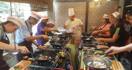 4 hours cooking class with local market visiting