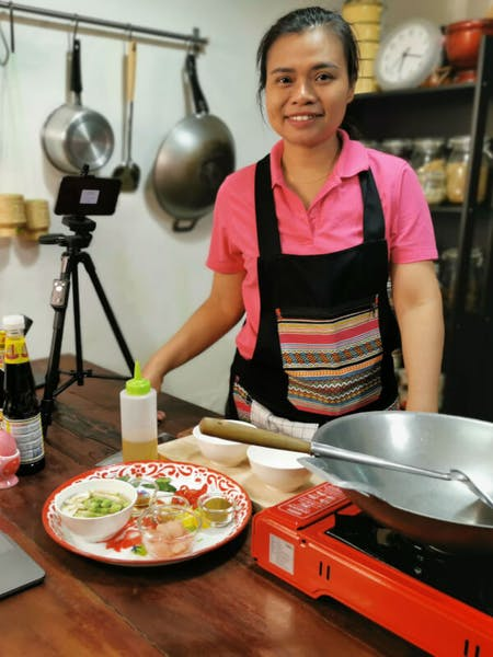 Online and Live Thai cooking class with Zoom